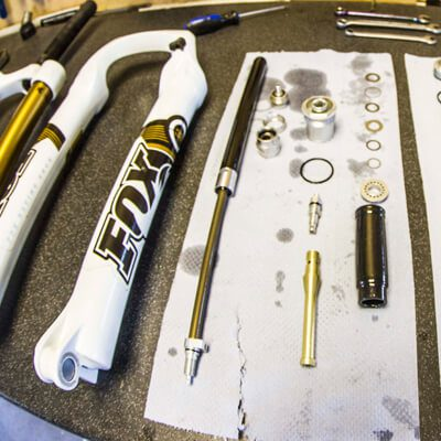Fork and Shock Servicing - the workshop